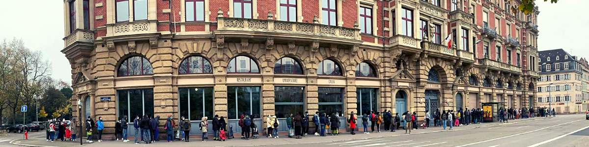 File d'attente d'une distribution alimentaire à Strasbourg, organisée par l'AFGES - les étudiant-e-s d'Alsace